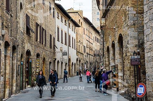 Rua na cidade de San Gimignano  - San Gimignano - Província de Siena - Itália
