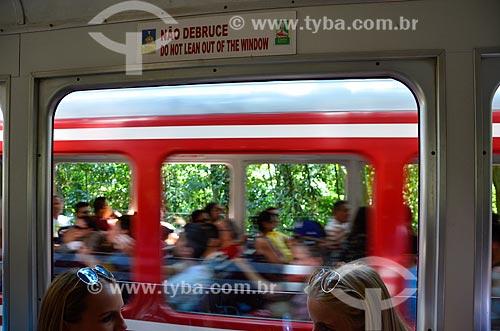 Trem na Estrada de Ferro do Corcovado - fazendo a travessia entre Cosme Velho e o Morro do Corcovado  - Rio de Janeiro - Rio de Janeiro (RJ) - Brasil