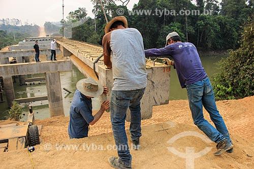 Canteiro de obras da construção da ponte sobre o Rio Machadinho  - Machadinho dOeste - Rondônia (RO) - Brasil