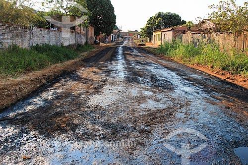 Piche no chão durante a pavimentação de rua  - Porto Velho - Rondônia (RO) - Brasil