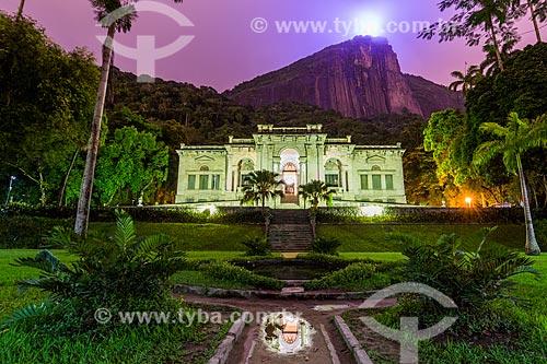 Prédio da Escola de Artes Visuais do Parque Henrique Lage - mais conhecido como Parque Lage - com o Cristo Redentor ao fundo durante o entardecer  - Rio de Janeiro - Rio de Janeiro (RJ) - Brasil