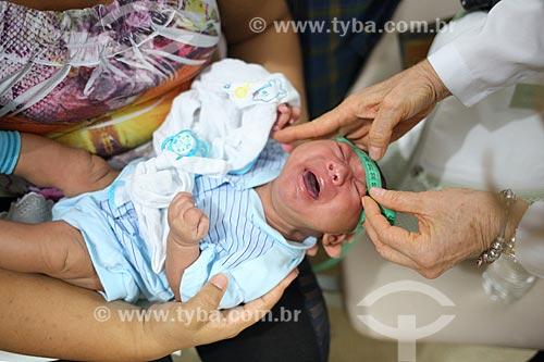 Gustavo Henrique - de 2 meses - medindo a circunferência da cabeça no Hospital Universitário Oswaldo Cruz (HUOC)  - Recife - Pernambuco (PE) - Brasil