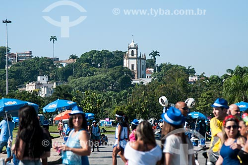 Foliões chegando ao Aterro do Flamengo para o desfile do Bloco Sargento Pimenta  - Rio de Janeiro - Rio de Janeiro (RJ) - Brasil