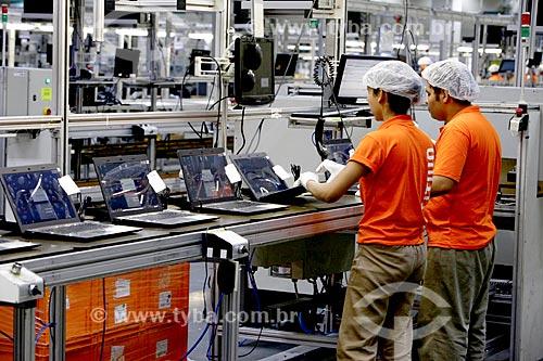Fábrica de computadores Positivo no Distrito Industrial de Manaus  - Manaus - Amazonas (AM) - Brasil