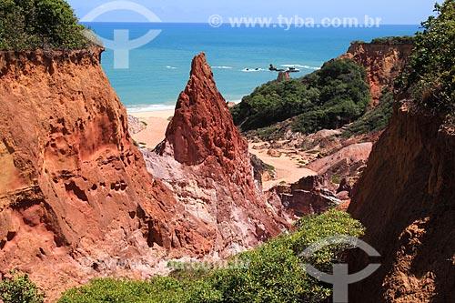 Falésia na orla da Praia de Coqueirinhos  - Conde - Paraíba (PB) - Brasil