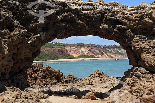 Formação rochosa na Praia do Amor  - Conde - Paraíba (PB) - Brasil
