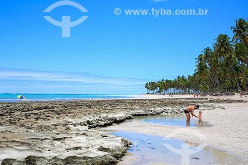 Banhistas na Praia dos Carneiros  - Tamandaré - Pernambuco (PE) - Brasil