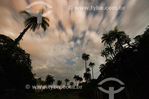 Céu noturno com nuvens e estrelas  - Santana do Riacho - Minas Gerais (MG) - Brasil