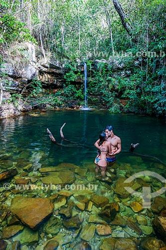 Casal no Poço do Pajé no Parque Nacional da Chapada dos Veadeiros  - Alto Paraíso de Goiás - Goiás (GO) - Brasil