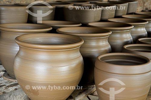 Detalhe de vasos de cerâmica  - Barra Bonita - São Paulo (SP) - Brasil