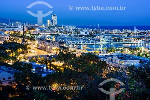 Vista geral da Plaça del Portal de la durante o anoitecer  - Barcelona - Província de Barcelona - Espanha