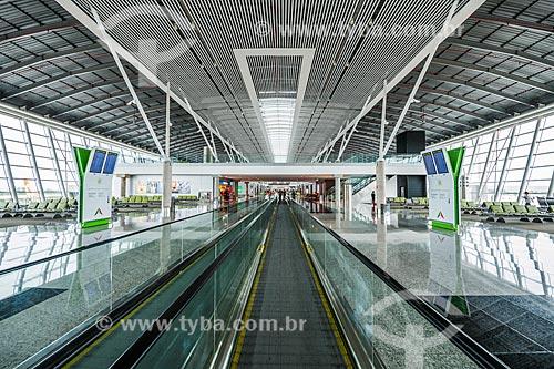 Esteira rolante no Aeroporto Internacional Juscelino Kubitschek (1957)  - Brasília - Distrito Federal (DF) - Brasil
