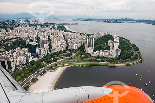 Asa de avião durante sobrevoo ao Aterro do Flamengo  - Rio de Janeiro - Rio de Janeiro (RJ) - Brasil
