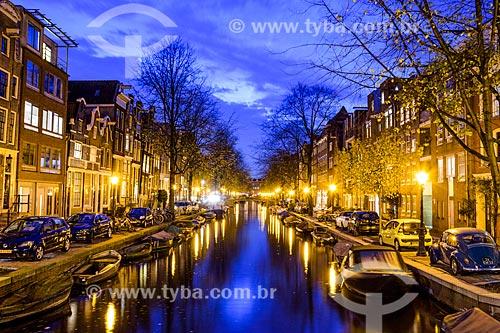 Vista de canal em Amsterdam durante o pôr do sol  - Amsterdam - Holanda do Norte - Holanda