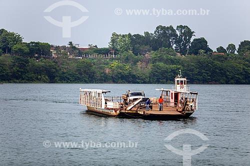 Travessia de balsa no Rio Tocantins entre as cidades de Tocantínia e Miracema do Tocantins  - Miracema do Tocantins - Tocantins (TO) - Brasil