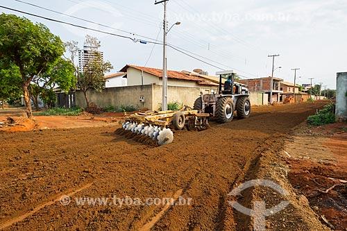 Canteiro de obras para instalação de saneamento e pavimentação de rua na quadra 307 Sul  - Palmas - Tocantins (TO) - Brasil