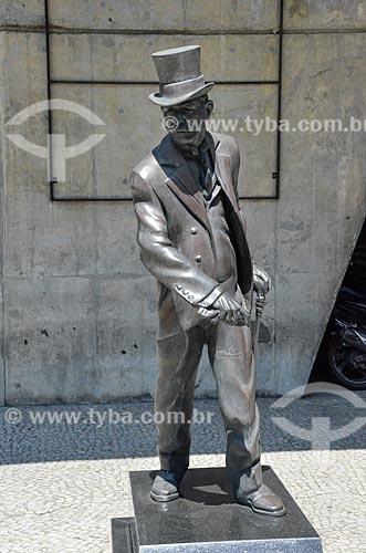 Estátua em homenagem ao escritor Joaquim Nabuco no Palácio Austregésilo de Athayde (1979) - prédio anexo à Academia Brasileira de Letras  - Rio de Janeiro - Rio de Janeiro (RJ) - Brasil