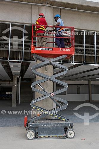 Operários trabalhando na construção do Parque Olímpico Rio 2016  - Rio de Janeiro - Rio de Janeiro (RJ) - Brasil