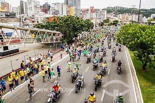 Carreata de moto durante a manifestação pelo impeachment da Presidente Dilma Rousseff em 13 de março  - Florianópolis - Santa Catarina (SC) - Brasil