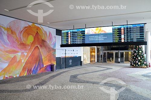 Painel de voos no interior do Bossa Nova Mall  - Rio de Janeiro - Rio de Janeiro (RJ) - Brasil