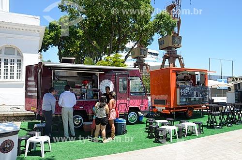 Food Trucks no Praça Mauá com o Píer Mauá (1949) ao fundo  - Rio de Janeiro - Rio de Janeiro (RJ) - Brasil