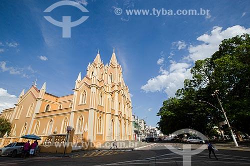 Vista da Igreja de SantAna do Barroso (1729) a partir da Praça Gustavo Meirelles - também conhecida como Praça de SantAna  - Barroso - Minas Gerais (MG) - Brasil