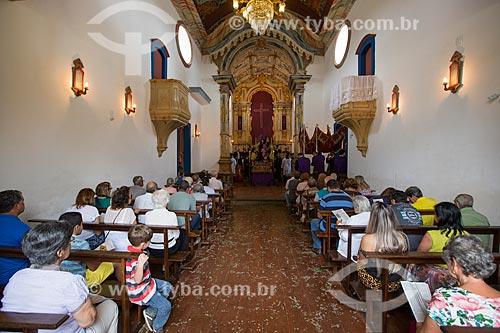 Interior da Igreja de Nossa Senhora das Mercês (século XVIII) durante a missa  - Tiradentes - Minas Gerais (MG) - Brasil