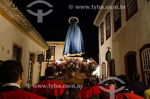 Procissão do encontro entre as imagens de Jesus Cristo e Nossa Senhora - durante a festividade de Bom Jesus dos Passos - na Rua Direita  - Tiradentes - Minas Gerais (MG) - Brasil