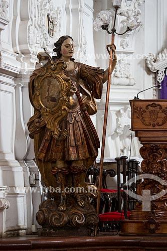 Escultura do Arcanjo Rafael em madeira no altar da Igreja de Nossa Senhora do Carmo (1732)  - São João del Rei - Minas Gerais (MG) - Brasil