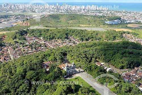 Foto aérea da Igreja de Nossa Senhora dos Prazeres (século XVII)  - Jaboatão dos Guararapes - Pernambuco (PE) - Brasil