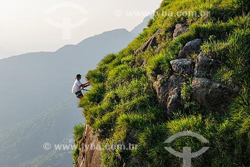 Pessoas escalando a Pedra da Gávea  - Rio de Janeiro - Rio de Janeiro (RJ) - Brasil