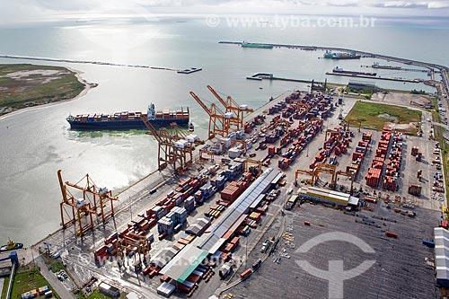 Foto aérea do TECON - Terminal de Contêineres - do Complexo Portuário de Suape  - Ipojuca - Pernambuco (PE) - Brasil