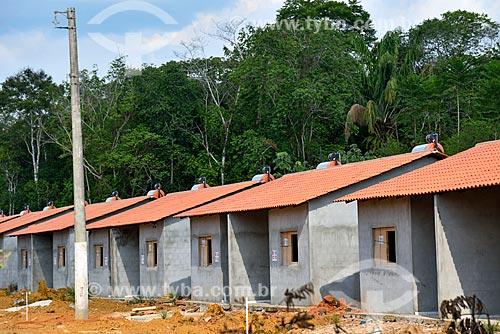 Canteiro de obras de conjunto habitacional do Programa Minha Casa Minha Vida às margens da Rodovia AM-352  - Manacapuru - Amazonas (AM) - Brasil
