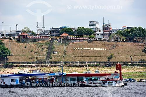 Postos de gasolina flutuante no Rio Negro  - Manaus - Amazonas (AM) - Brasil