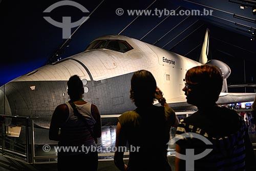 Ônibus espacial Enterprise em exibição no Museu Intrepid Sea, Air & Space Museum (Museu Intrépido de Mar, Ar e Espaço)  - Cidade de Nova Iorque - Nova Iorque - Estados Unidos