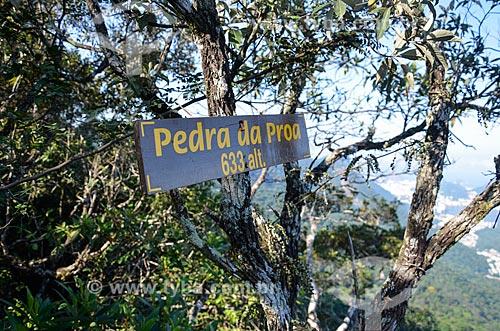 Placa indicando a Pedra da Proa na trilha do Morro do Queimado  - Rio de Janeiro - Rio de Janeiro (RJ) - Brasil
