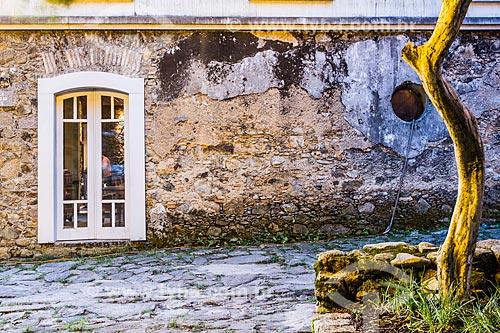 Fachada de casa colonial onde funcionava o Posto de Alfândega, e que serviu de pousada durante a visita de Dom Pedro II a Santo Antonio de Lisboa  - Florianópolis - Santa Catarina (SC) - Brasil
