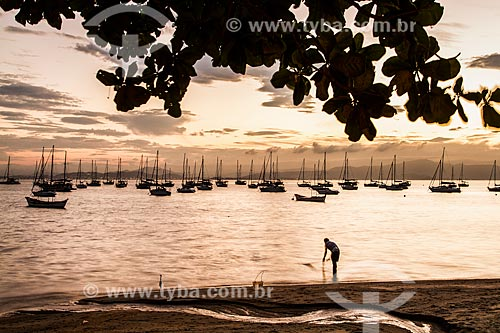 Praia de Santo Antonio de Lisboa ao por do sol  - Florianópolis - Santa Catarina (SC) - Brasil