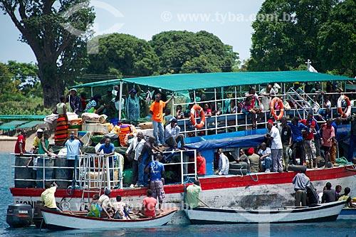 Barco na Província de Niassa  - Província de Niassa - Moçambique