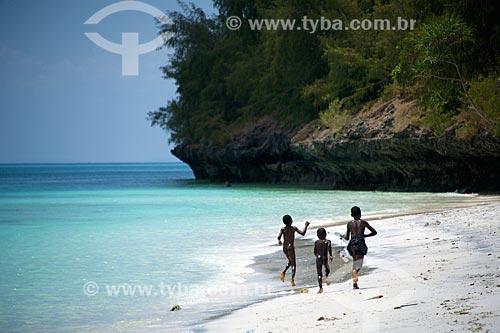 Crianças brincando na orla da Ilha de Pemba  - Ilha de Pemba - Tanzânia