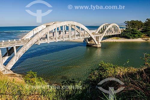 Ponte na foz da Restinga da Marambaia - área protegida pela Marinha do Brasil  - Rio de Janeiro - Rio de Janeiro (RJ) - Brasil