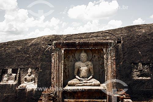 Esculturas no Templo budista de Raja Maha Vihara  - Distrito de Anuradhapura - Província Centro-Norte - Sri Lanka