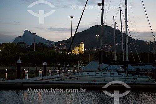 Marina da Glória com o Igreja de Nossa Senhora da Glória do Outeiro (1739) com o Cristo Redentor ao fundo  - Rio de Janeiro - Rio de Janeiro (RJ) - Brasil