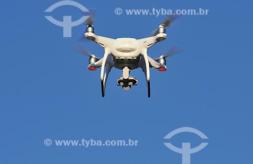 Drone sendo utilizado para filmagens  - Matão - São Paulo (SP) - Brasil