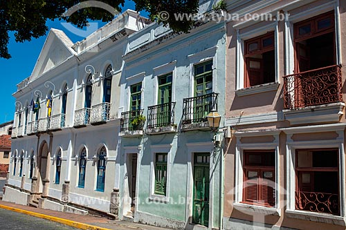 Fachada de casarios em Olinda com a da Prefeitura ao fundo  - Olinda - Pernambuco (PE) - Brasil