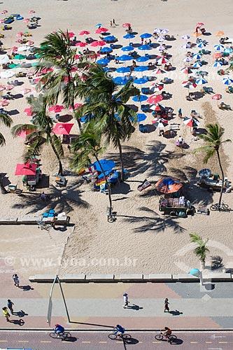 Vista de cima da ciclovia na orla da Praia da Boa Viagem  - Recife - Pernambuco (PE) - Brasil