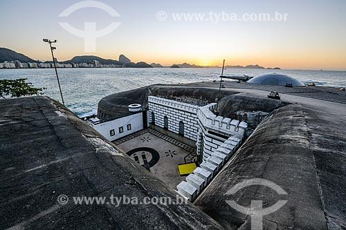 Amanhecer no antigo Forte de Copacabana (1914-1987), atual Museu Histórico do Exército - com o Pão de Açúcar ao fundo  - Rio de Janeiro - Rio de Janeiro (RJ) - Brasil