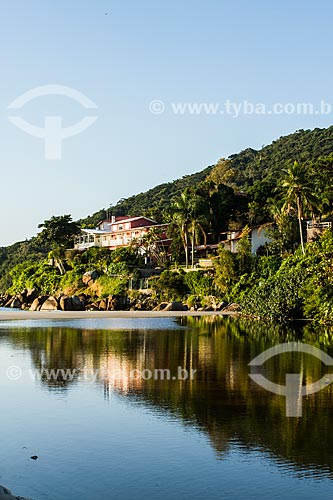 Casas de alto padrão na orla da Praia da Lagoinha  - Florianópolis - Santa Catarina (SC) - Brasil