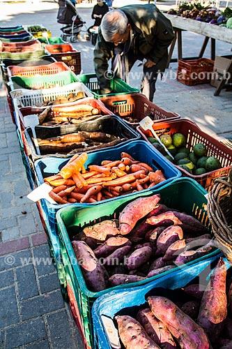 Alimentos à venda na Feira Orgânica da Lagoa da Conceição na Praça Bento Silvério  - Florianópolis - Santa Catarina (SC) - Brasil