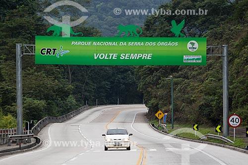 Trecho da Rodovia Rio-Teresópolis (BR-116) no Parque Nacional da Serra dos Órgãos  - Teresópolis - Rio de Janeiro (RJ) - Brasil